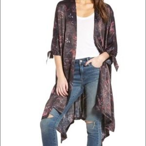 Lovely high/low printed Kimono from Nordstrom NWT